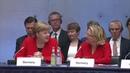 FRAU DOKTOR Jetzt hat sich doch glatt mal jemand Frau Merkels Doktorarbeit angeschaut