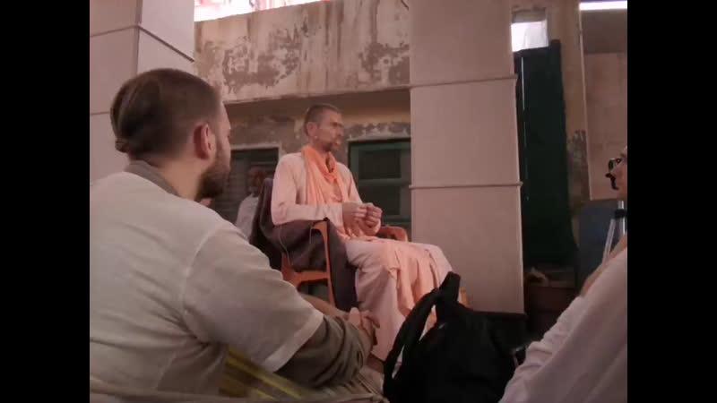 Катха на Радха Кунде с харинама туром Сандхья аватара прабху