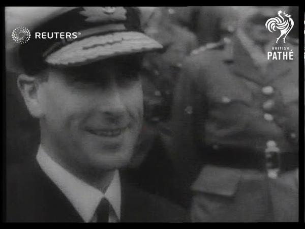Lord Louis Mountbatten and Generalissimo Chiang Kai Shek meet in Chungking 1943