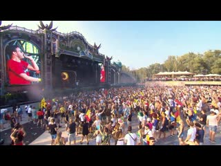 Quintino tomorrowland (weekend 1 day 3 smash the house stage )