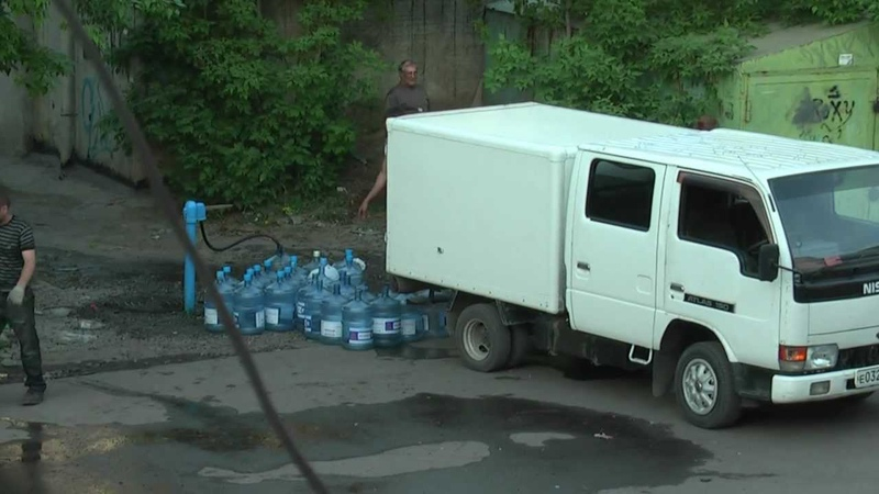 Бизнес по-русски. Пейте воду из под крана!