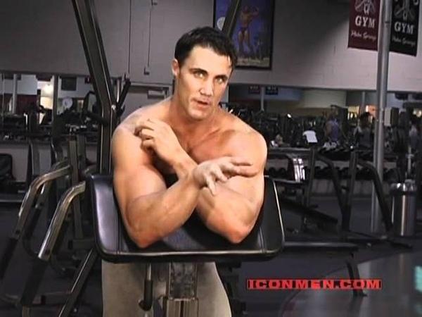 Greg Plitt - Straight Bar Preacher Curl (Bodybuilding)