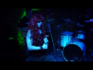 NЮ - Я хочу нормального мужика (Live IZI Moscow)