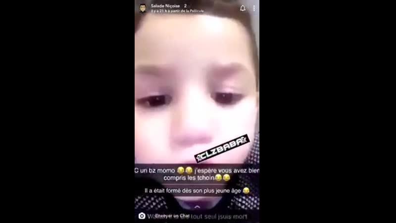 Momo à 3 ans et veux une tchoin ( fille facile) pour lui coupé la tête