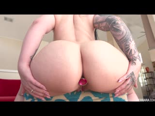 Melina mason spreads her cheeks for a hard anal pounding