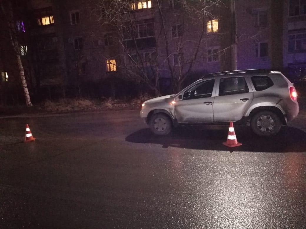 На улице Урицкого в Кимрах водитель Рено сбил 18-летнюю девушку