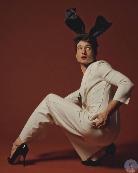 Ваш стильный новогодний зайчик Ezra Miller для журнала Playboy