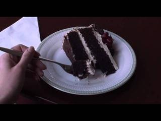 Scarlett Johansson tries to eat cake, Under the Skin CLIP