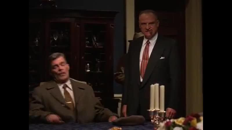 Тайны Ниро Вульфа Маскарад для убийцы 2001 реж Джон Л'Экаер