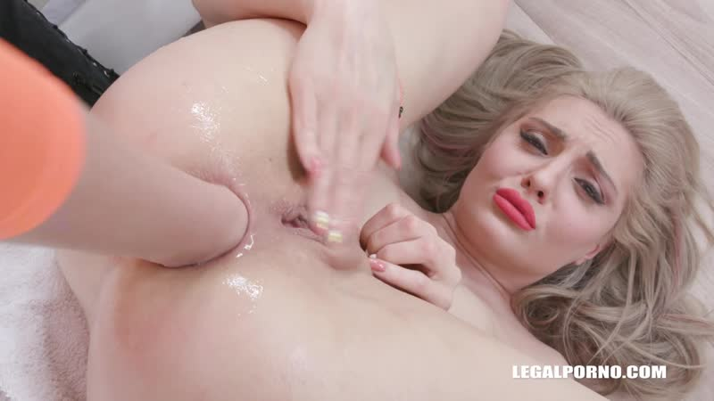 Caty Kiss ( Caty enjoys pissing and kinky anal sex IV484 ) 2020, MILF, Anal, Gangbang, Fisting, Pissing,