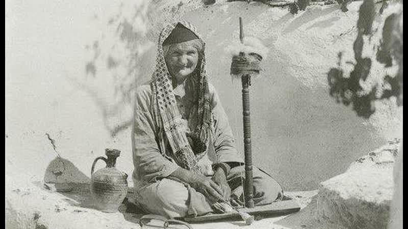 Крымской татарке через несколько дней после свадьбы дарили прялку
