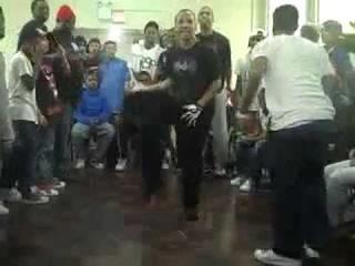 E Solo Vs Mr YouTube (Center Of Lite 2010)
