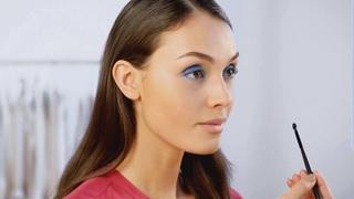 Видеоурок красоты: макияж в синей гамме
