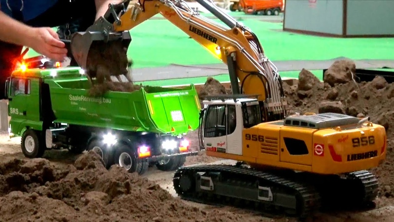 AMAZING RC TRUCK ACTION RC LIEBHERR 956 RC FIRE FIGHTERS HEAVY HAULAGE RC TRUCK TRANSPORT