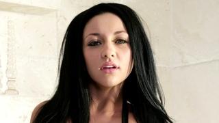 Audrey Bitoni 19