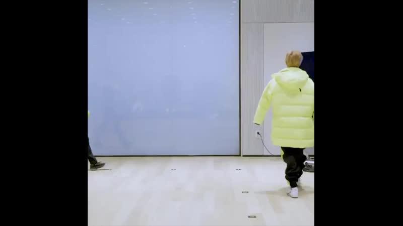 Walk walk fashion fairy 🍼🧚♂️