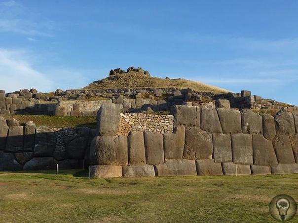 Крепость инков Саксайуаман - одно из самых древних сооружений
