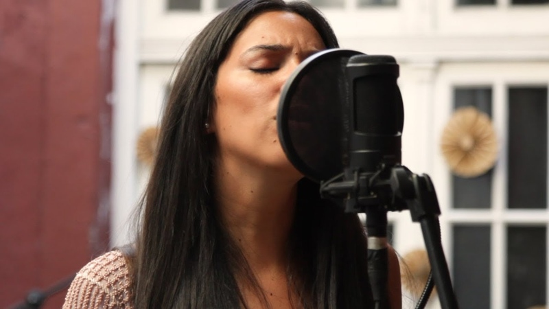 Sarah Menescal Don´t Speak No Doubt Cover Official Video Acústicos De Atar 51