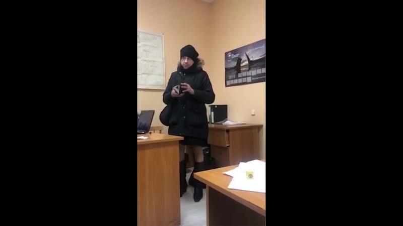 Я не пид*р,Я дизайнер   Андрюха, хороший парень  Полиция задержала мужика в женской одежде.