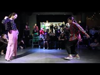 Polina Zueva vs Aлтыша(win)   FINAL WAACKING beg   All Europe Waacking Festival