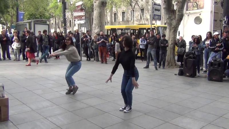 Тбилиси 2018 Грузинский танец на проспекте Руставели 18 04 2018