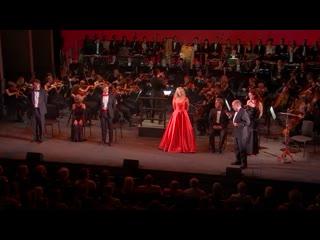 Candide (Leonard Bernstein) - dir. Christopher Luscombe, con. Alfonso Casado Trigo, Grange Festival,  [eng ]