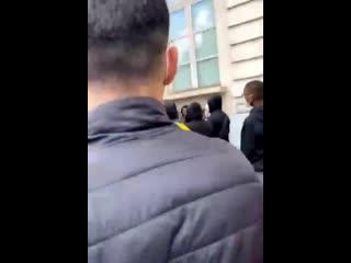 Избиение огромной толпой негров, феминисток и прочего левацкого отребья нескольких белых