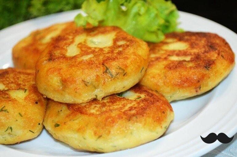Прелестнейшие котлеты из картофеля, сыра и укропа с грибами