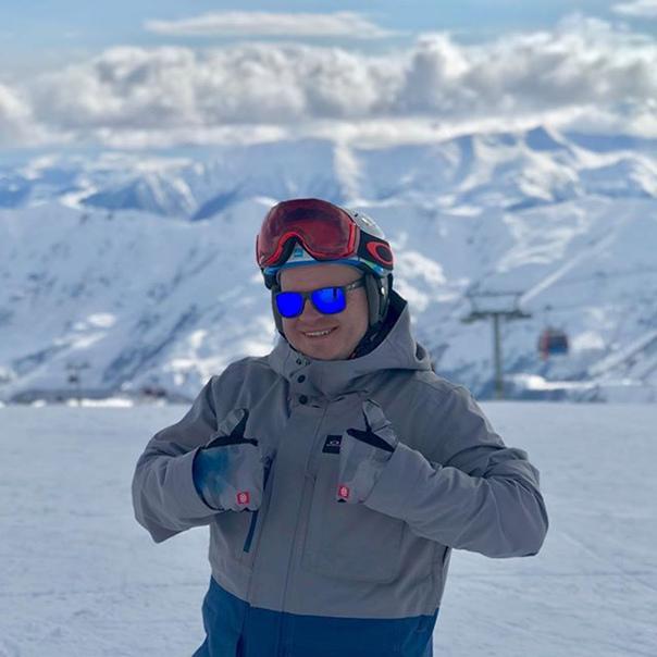 Олександр Ратушняк: Вчера был шикарный день🤗 Каталочка супер и с погодой повезло☃️.#snegoweek #такахули #gudauri snegoweek