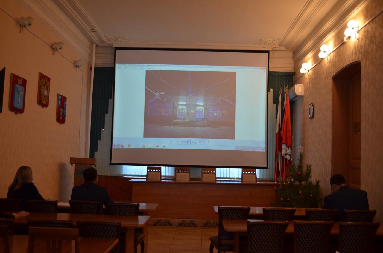В Петровске подводят итоги районного конкурса на лучшее новогоднее оформление фасадов зданий