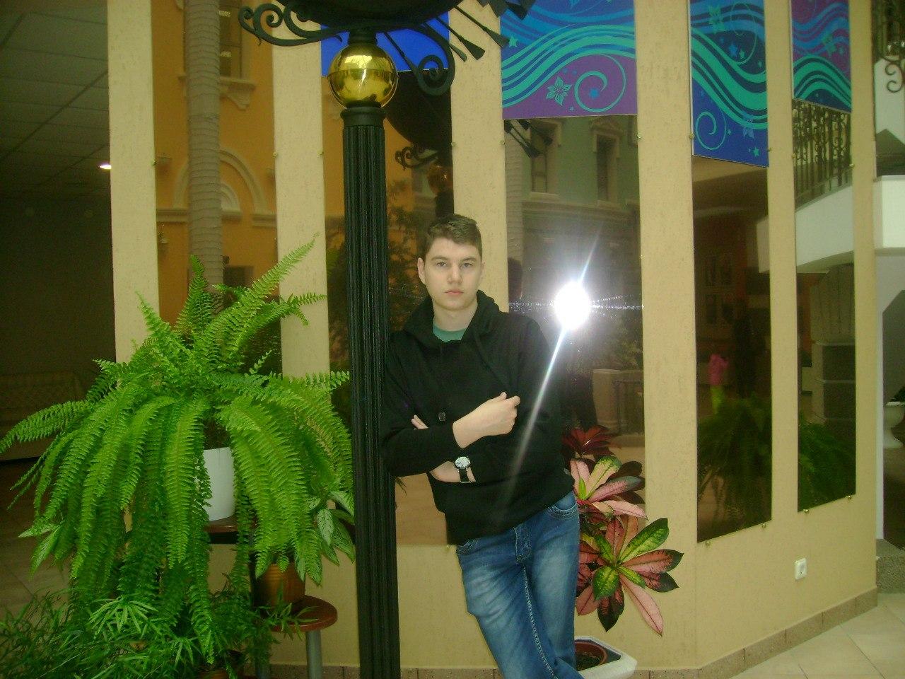 Слава, 21, Kirishi