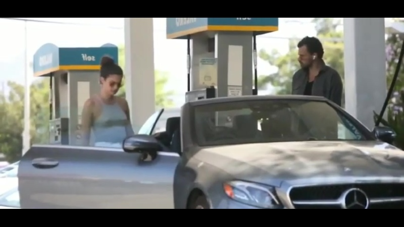 Braless Sara Sampaio pumps gas without mask or gloves amid pandemic ( 480 X 404 ).mp4