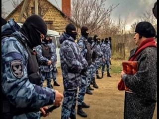В оккупированном Крыму ночью начались обыски в домах крымских татар.