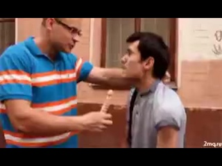 Мужик избивает своего недруга маленьким дилдо ВП
