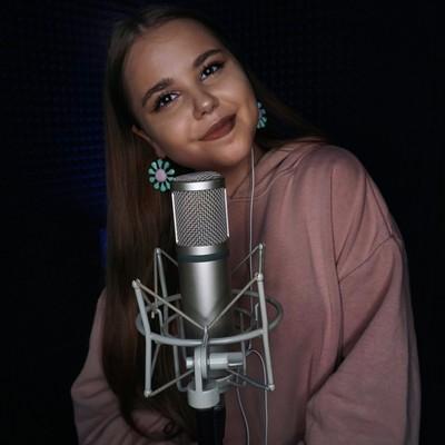 Катя Манешина