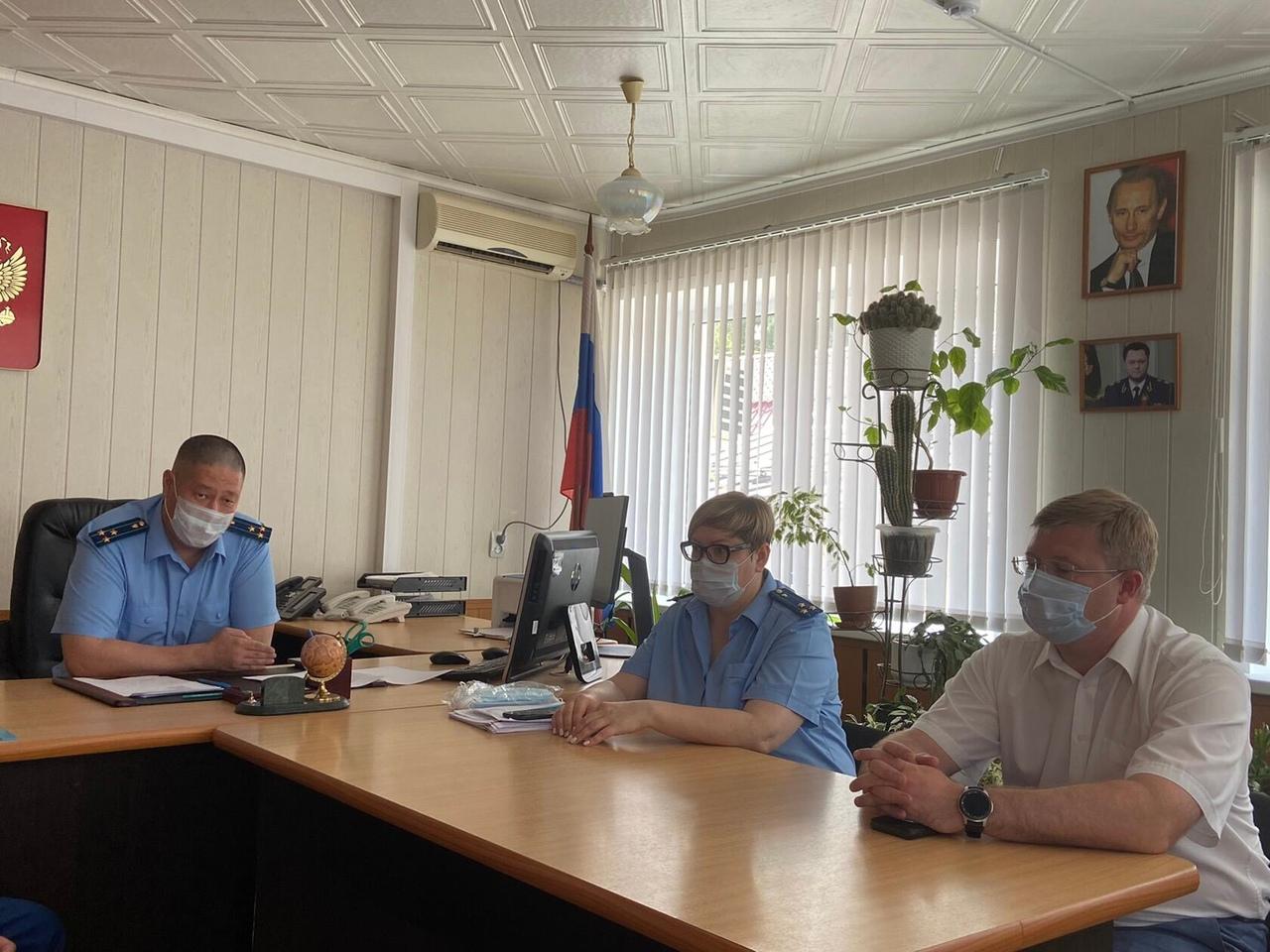 Коллективу Петровской межрайонной прокуратуры представили нового прокурора - старшего советника юстиции Ольгу Панфёрову