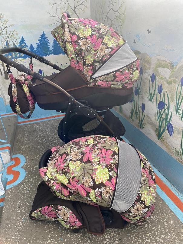 Отличная коляска Яркая расцветка   Объявления Орска и Новотроицка №28143