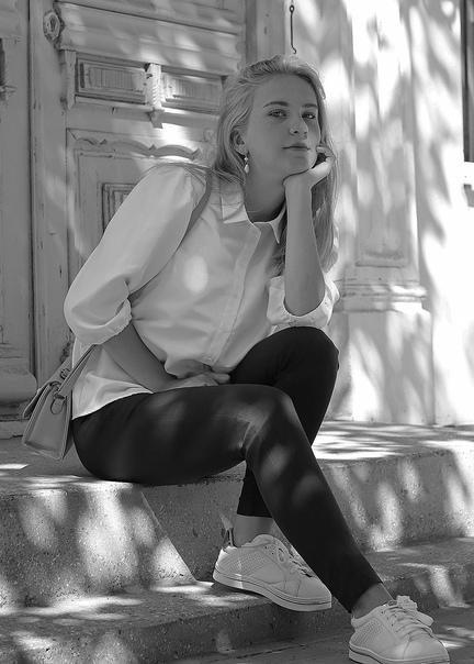 Shirley Walston, Россия