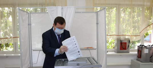 Более 150 наблюдателей следят за ходом голосования  Мэр Кизляра Александр Шувалов 17 сентября одним из первых