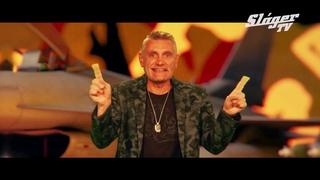 Zoltán Erika feat. Sipos Peti & Sipos Tomi - Angyalbőrben (Official Music Video)