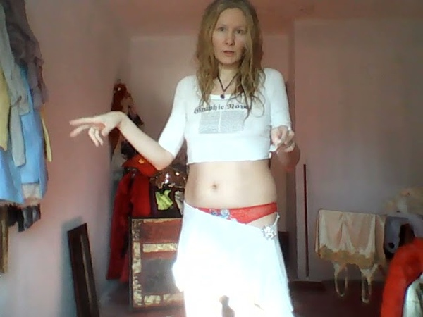 На видео Я Татиана Салмановна Мактум Сайфуддин Tatiana Salmanovna Maktoum Saifuddin у себя дома