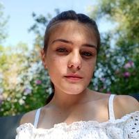 Лиза Гарынова