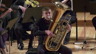 Чайковский Анданте кантабиле из квартета №1  для тубы с оркестром. Михаил Ужиловский