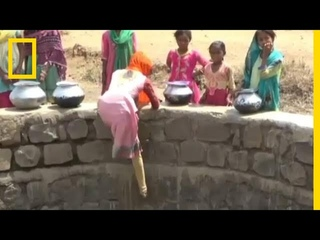 Children in India Climb 40 Foot Well During Water Shortage | National Geographic