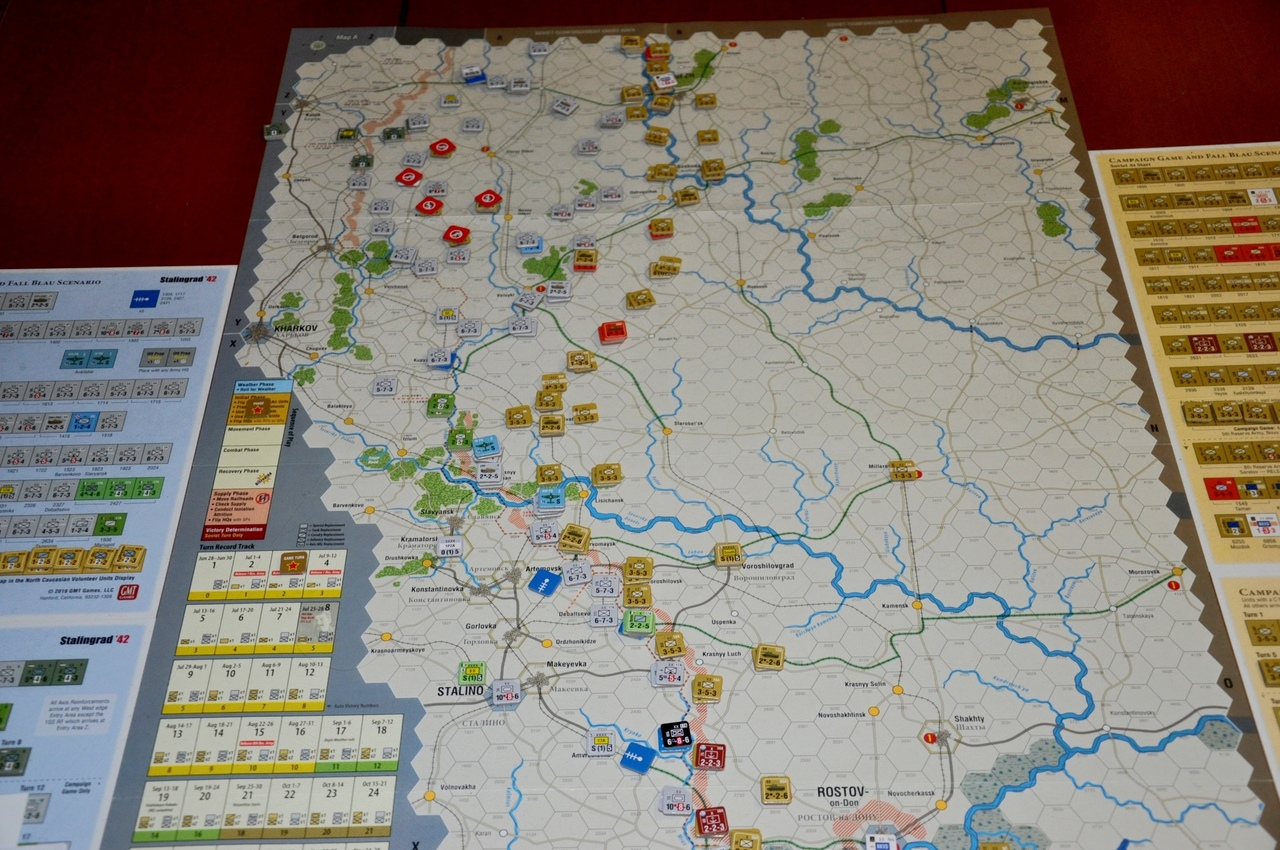 Ситуация на конец 3-го хода очень похожа на то, что случилось в реальности — советские войска отступают, а часть из них угодило в «котел» северо-восточнее Харькова