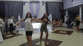 Шикарные девушки танцуют Грузинские Танцы
