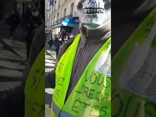 Manif du 06 mars pour les libertés. Discussion avec un collègue Gilet jaune sur la crise sanitaire